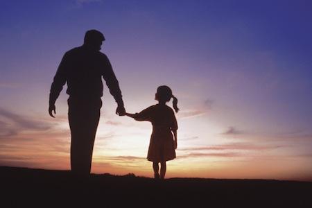 bố và con gái - Cảm nghĩ của em về người thân yêu nhất